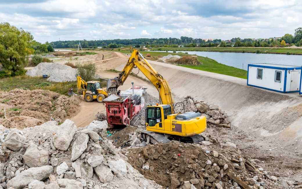 Construction pic1 1040x650 - USACE (EM 385)